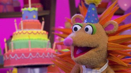 Watch Happy Birthday Sweetpea Sue / Blankie in the Laundry. Episode 5 of Season 1.