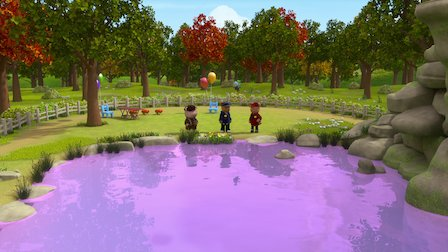 Watch The Case of the Spooky Squeak / The Case of the Purple Pond. Episode 4 of Season 1.